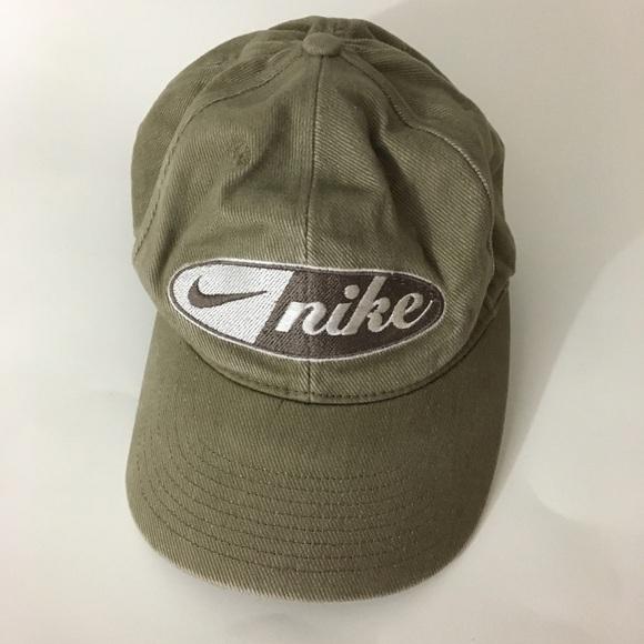 da5f5b9cdd6 Vintage Nike hat green. M 5a791f4e3a112e6b0e50f990